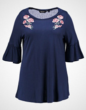 Dorothy Perkins Curve EMBROIDRED FLORAL FLUTE SLEEVE  Tshirts med print navy