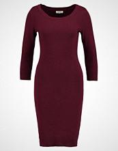 Zalando Essentials Strikket kjole dark red