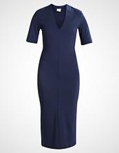 Selected Femme SFELSIE V NECK Fotsid kjole dark sapphire