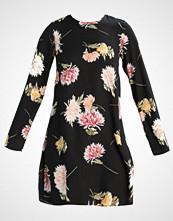 Oh My Love OML Sommerkjole black floral