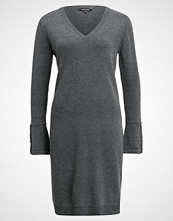 More & More Strikket kjole warm grey melange