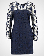 Warehouse 3D EMBROIDERED DRESS Cocktailkjole navy