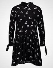 Glamorous Petite FLORAL DRESS WITH RIBBON 3/4 ARMS Sommerkjole black white daisy