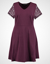 Dorothy Perkins Curve Jerseykjole berry
