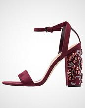 ALDO LUCIAA Sandaler med høye hæler bordo