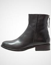 Vagabond CARY Støvletter black