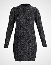 Vero Moda VMAMANDA JIVE HIGHNECK DRESS Strikket kjole black/melange