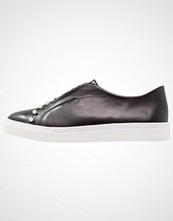 Lost Ink NATALIE PEARL SLIP ON  Slippers black