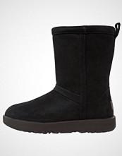 UGG Australia CLASSIC SHORT WATERPROOF Støvletter black