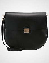 Dorothy Perkins LOCK SADDLE  Skulderveske black