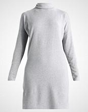 Noisy May NMCITY BAT SHORT  Strikket kjole light grey