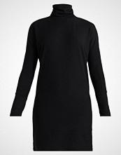 Noisy May NMCITY BAT SHORT  Strikket kjole black