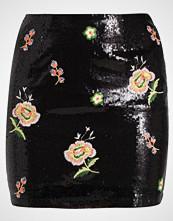 Missguided SEQUIN FLORAL EMBRIODED Miniskjørt black oriental print