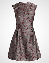 KIOMI BROCADE DRESS Cocktailkjole red & silver