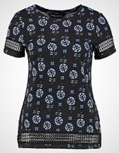 Dorothy Perkins FLORAL Tshirts med print black