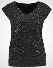 More & More Tshirts med print black
