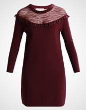 Morgan Strikket kjole bordeaux type
