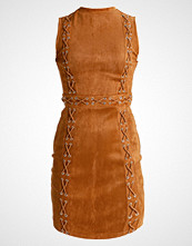 Missguided Petite SLEEVELESS LACE UP DETAIL BODYCON  Sommerkjole camel
