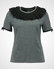 Lost Ink FRILL Tshirts dark grey