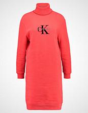 Calvin Klein DOLL TRUE ICON Sommerkjole flame scarlet