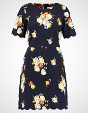 Warehouse VICTORIA FLORAL SCALLOP PONTE  Jerseykjole navy pattern