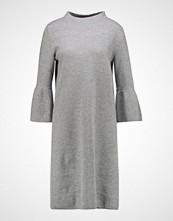 Betty & Co Strikket kjole light grey melange