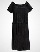 ADIA CREPE PLISEE Jerseykjole black