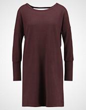 Noisy May NMCITY DEEP BACK Strikket kjole fudge