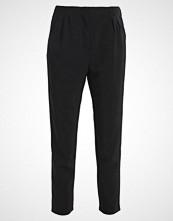 Vero Moda VMBELOW ANCLE PANTS  Bukser black