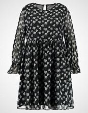 Glamorous Curve LONGSLEEVE DRESS WITH BELL SLEEVES Sommerkjole black blossom