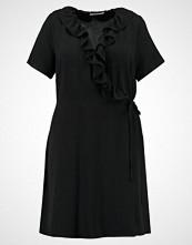 Glamorous Curve BELL SLEEVE WRAP DRESS Sommerkjole black