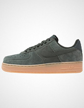 Nike Sportswear AIR FORCE 1 '07 SE Joggesko outdoor green/med brown/ivory