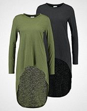 Noisy May NMMACE HIGH LOW 2 PACK  Topper langermet black/ivy green