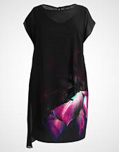 Live Unlimited London CHRISTMAS FLORAL OVERLAY DRESS Sommerkjole black