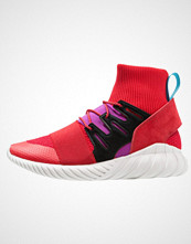 Adidas Originals TUBULAR DOOM WINTER Høye joggesko scarlet/shock purple