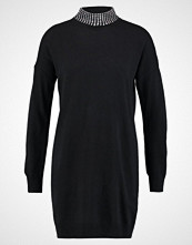 Wallis HOTFIX TURTLE NECK Strikket kjole black