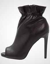 New Look SALLIE Ankelboots med høye hæler black