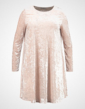 Glamorous Curve EASY SHIFT DRESS Jerseykjole cream