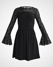 Only ONLNIELLA FLARED DRESS Sommerkjole black