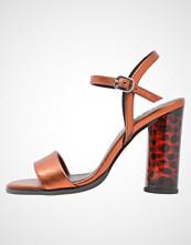 Zign Sandaler med høye hæler red metallic