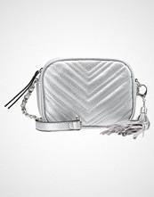 Miss Selfridge QUILT BODY BAG  Skulderveske metallic