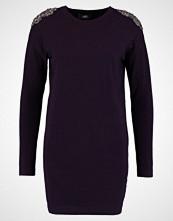 Wallis SHOULDER DRESS Strikket kjole berry