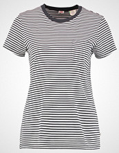 Levi's THE PERFECT POCKET TEE Tshirts med print gina obsidian/cloud dancer