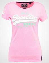 Superdry PREMIUM GOODS  Tshirts med print fluro pink snowy