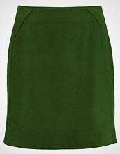 More & More Miniskjørt bright green
