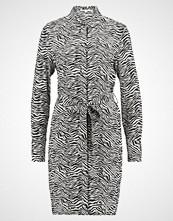 Warehouse ZEBRA SHIRT DRESS Kjole black & white