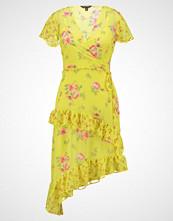 Miss Selfridge MIXED FRILL DRESS Sommerkjole yellow