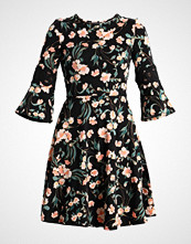 Dorothy Perkins Tall FLORAL PRINT FLARE SLEEVE DRESS Jerseykjole black