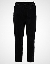 Vila VIARCHER 7/8 PANTS Bukser black