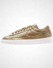 Nike Sportswear BLAZER Joggesko metallic field/summit white/hazel rush